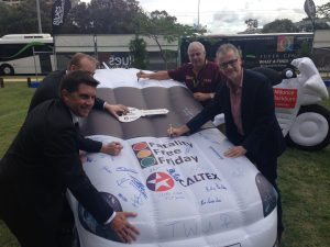 TWU National Secretary Tony Sheldon taking his pledge for a Fatality Free Friday on the Gold Coast